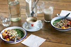essen in wien: cafe siebenstern Tapas, Eggs Florentine, Lokal, Kitchen Interior, Anna, Austria, Tableware, Ethnic Recipes, Bucket