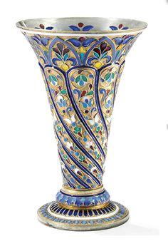 PARCEL-GILT CLOISONNÉ AND PLIQUE-À-JOUR ENAMEL VASE / ANTIP KUZMICHEV, MOSCOW, 1893 / RETAILED BY TIFFANY & CO