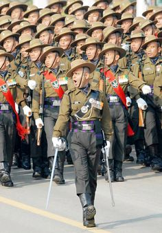 Gorkha regiment completes 200 years in indian army British Armed Forces, British Soldier, British Army, Military Photos, Military History, Military Gear, Military Uniforms, Army Couple Pictures, National Defence Academy