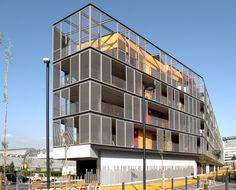 Bloque de 60 Viviendas, Locales y Aparcamiento / ONL Arquitectura #terrassen #zonwering