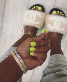 Do forget to Cheek our your fur slides vendors on the ultimate vendor y'all . - - Do forget to Cheek our your fur slides vendors on the ultimate vendor y'all . Acrylic Nails Natural, Square Acrylic Nails, Natural Nails, Short Nails Acrylic, Yellow Nails Design, Yellow Nail Art, Dope Nails, Nails On Fleek, Diy Nails Stickers