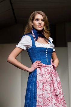 Gössl Blaudruck Dirndl Dirndl Dress, German Fashion, Maid Dress, Folk Fashion, Medieval Dress, Feminine Dress, Lovely Dresses, Cool Costumes, Traditional Dresses