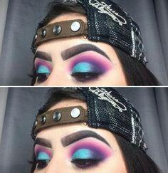 Bright Eye Makeup, Colorful Eye Makeup, Blue Eye Makeup, Eye Makeup Tips, Colorful Eyeshadow, Skin Makeup, Eyeshadow Makeup, Makeup Inspo, Makeup Inspiration