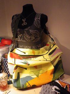 GIANT gym bag tutorial... | Two Boos - Sew like your Nanna!