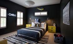 zwarte muren woonkamer inspiratie man man 47