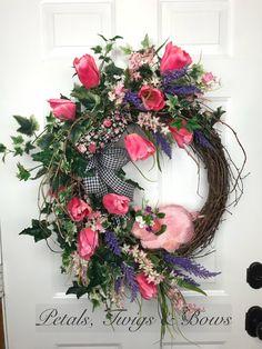 Tulip wreath, summer wreath, floral wreath, pig wreath, pink wreath, best wreath, spring wreath, farm wreath by PetalsTwigsandBows on Etsy