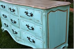 Dresser Makeover @ Make Me Pretty Again