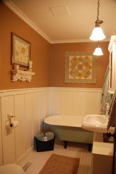 Pin by Jennifer Bowman on Primitive Primitive Country Homes, Primitive Bedroom, Primitive Bathrooms, Vintage Bathrooms, Country Bathrooms, Primitive Decor, Primitive Antiques, Laundry Room Bathroom, Wood Bathroom