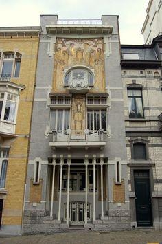 #ArtNouveau | Cauchie House, Rue des Francs 5, 1040 Brussels, Belgium. Designed by Paul Cauchie, 1905.