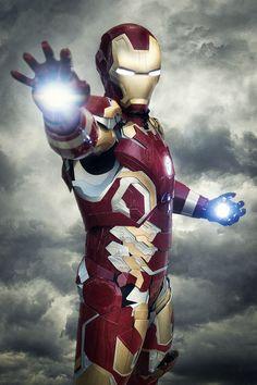Cosplayer: Lluis Vilaro Mendez PJ: Iron Man de Marvel FACEBOOK: https://www.facebook.com/zenitimage INSTAGRAM: https://instagram.com/rogermartinez_photo TWITTER: https://twitter.com/zenitimage