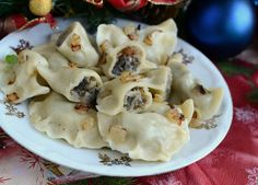 Pierogi z kapustą i grzybami Pierogi, Potato Salad, Cauliflower, Potatoes, Meat, Chicken, Vegetables, Ethnic Recipes, Food