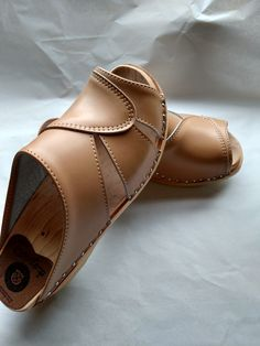 New Mariah clog in Beige - Superior Clogs