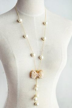 Exquisite Women's Faux Pearl Embellished Bowknot Shape Sweater Chain Necklace