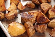 """Taco Potatoes (Friendship Fiesta) - """"The Pioneer Woman"""", Ree Drummond on the Food Network. Potato Dishes, Potato Recipes, Food Dishes, Vegetable Side Dishes, Vegetable Recipes, Mexican Dishes, Mexican Food Recipes, Nachos, Food Network Recipes"""