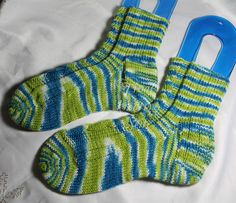Tinas kreative Seite - Socken: Pistazien mit Seegang