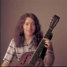 Saw Rory Gallagher in Edinburgh, early 70s.