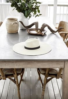 Inside the stunning Queensland, Australia home of stylist and photographer Kara Rosenlund. Image styling and photography by Kara Rosenlund. Outdoor Dining, Dining Table, Dining Rooms, Kara Rosenlund, Cottage Renovation, Old Cottage, Beautiful Farm, Modern Rustic Interiors, Coastal Style
