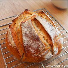 Italienisches Brot: dieses köstliche Brot kommt Dank kalter Führung ohne Sauerteig und mit sehr wenig Hefe aus. Es passt perfekt zu Olivenöl, Pesto & Co.