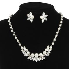 Charming Alloy Silver Plated With Clear Rhinestone and Immitation Pearl Bridal Jewelry Set(Necklace,Earrings) – USD $ 29.99