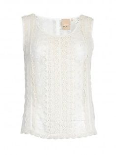 Beautiful white lace top by ICHI @ 04dertien