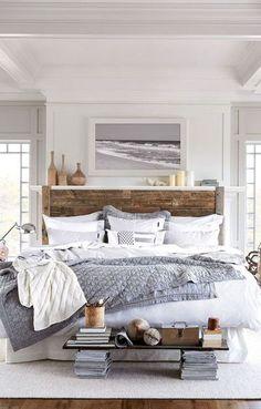 Modern romantic mediterranean master bedroom ideas (35)