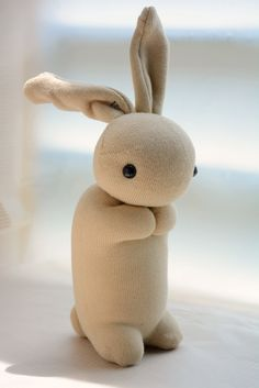 Sock Bunny for sale in Traditional Chinese language. Sewing Projects, Craft Projects, Projects To Try, Sock Bunny, Sock Crafts, Sock Toys, Fabric Toys, Sock Animals, Sewing Toys