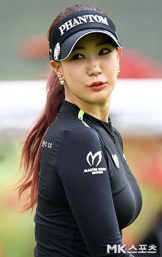 Girls Golf, Ladies Golf, Girl Golf Outfit, Golf Pictures, Sexy Golf, Swimming Sport, Female Cyclist, Sports Celebrities, Athletic Girls