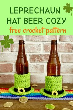 Make a leprechaun hat beer cozy for St. Patricks Day and keep your green beer cold and your hands warm. This cozy is crocheted to look like a leprechaun hat. St Patricks Day Quotes, St Patricks Day Food, St Patrick's Day Crafts, Holiday Crafts, Crochet Cozy, Crochet Ideas, Irish Crochet, Crochet Projects, Crochet Patterns