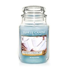 Yankee Candle Feature FRESH COMFORT The luxury of fresh milled soaps infused with peony, tuberose, and lemon. Scented Candles, Yankee Candles, Jar Candles, Scent Warmers, Candle Diffuser, Candle Accessories, Thing 1, Perfume, Smell Good