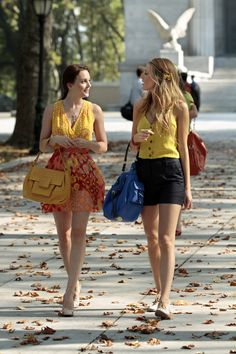 """From Gossip Girl, to Sex In the City, to Rosie Perez In """"Do The Right Thing:"""" These Are The Top 12 Most Iconic Summer Wardrobes Gossip Girls, Moda Gossip Girl, Gossip Girl Cast, Gossip Girl Serena, Estilo Gossip Girl, Gossip Girl Fashion, Hollywood Fashion, Hollywood Style, Stylish Clothes For Women"""