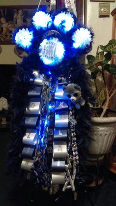 Chain paw print mum. Lot with led lights by Sami Strada 915 519-9538  https://www.facebook.com/samiatshindigsncrafts