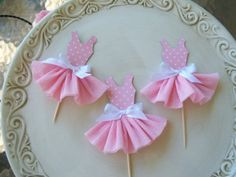 Party Dress cupcake topper (crepe paper skirt).