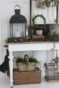 modern rustic decor, I'm not sure what I doing with my decor just yet Shabby Chic Flur, Estilo Shabby Chic, Shabby Chic Hallway, Shabby Chic Homes, Shabby Chic Patio, Rustic Decor, Decoration Shabby, Farmhouse Decor, Rustic Cafe
