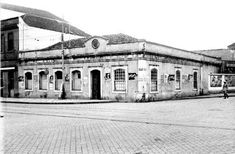 Praça Zacarias Antigo cadeião de Curitiba na praça Zacarias por volta dos anos 20 e 30