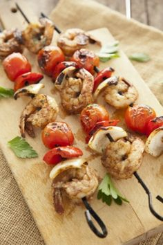 Keep your crew happy by grilling these shrimp kabobs for a quick meal on-board. #FourthOfJuly #MemorialDay #LaborDay