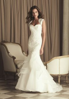 Paloma Blanca 4455 Wedding Dress - The Knot