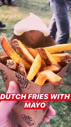 🍺 Here's just a picture with a throwback to the Maastricht Food Truck festival in 🇳🇱The Netherlands! 🍟 Wishing I could go back but unfortunately its not running this year because of the corona-virus. Food Truck Festival, Heritage Recipe, Tasty, Yummy Food, Fried Potatoes, French Fries, Mayonnaise, Pretty Good, Netherlands