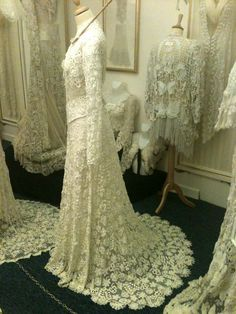 Vintage Antique Rosemary Cathcart Antique Lace and Vintage Fashion: The Sheelin Lace Museum Irish Crochet Lace Section Z Vintage Gowns, Vintage Lace, Vintage Outfits, Vintage Fashion, Edwardian Clothing, Antique Clothing, Lace Clothing, Irish Crochet, Crochet Lace