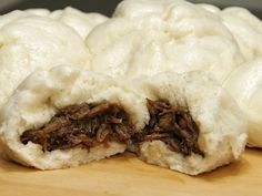 the Filipino version of the Chinese BBQ Pork Bun)Siopao Asado (Sweet Pork Steamed Buns.the Filipino version of the Chinese BBQ Pork Bun) Filipino Dishes, Filipino Desserts, Filipino Recipes, Asian Recipes, Filipino Appetizers, Pan Relleno, Philippines Food, Steamed Buns, Steamed Dumplings