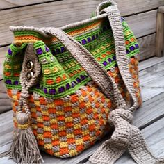 Tuscany Tote pattern to purchase from Ravelry $5.00US