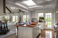 Have you guys seen the HGTV dream home on Martha's Vineyard yet?  Let me tell you, it's good.  Rea...