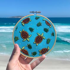 Adorable hand embroidered turtles by @lindsay_stitches 🌊 For more embroidery inspiration, visit DMC.com to see our hundreds of FREE patterns. Grass Pattern, Pattern Art, Free Pattern, Owl Patterns, Lace Patterns, Embroidery Hoop Art, Embroidery Ideas, Crochet Cord, String Art Patterns