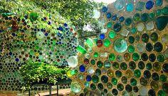 muros con botellas de vidrio