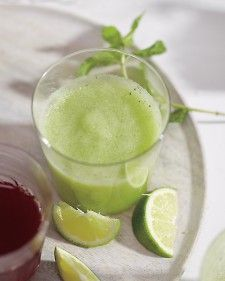 Melon, Mint, and Cucumber Smoothie with lime  #vegan #smoothies #cleanprogram