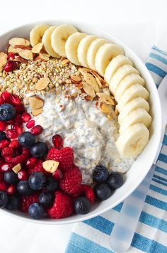 Cooking For Two: Vanilla Overnight Oats Breakfast Bowl Recipe Healthy Meals For Two, Healthy Breakfast Recipes, Healthy Snacks, Healthy Recipes, Dessert Healthy, Yummy Recipes, Junk Food, Oats Recipes, Cooking Recipes