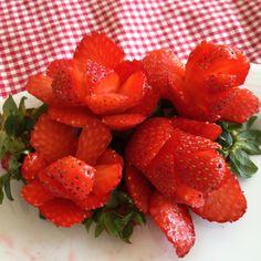 Strawberries-roses