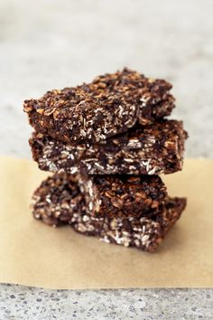 Chocolate Peanut Butter Road Trip Energy Bars – Gluten-free, Vegan + Refined Sugar-Free