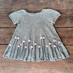 flower dresses Flower dress pattern by Pernille Larsen Baby Knitting Patterns, Sewing Patterns For Kids, Knitting For Kids, Knitting Designs, Pattern Sewing, Free Knitting, Crochet Patterns, Knitting Ideas, Free Sewing