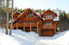 Western Red Cedar Log Home Exterior