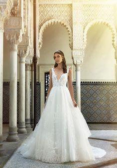 ba614f87db92 L  abito da sposa del giorno è il modello LV 0418. Un meraviglioso abito